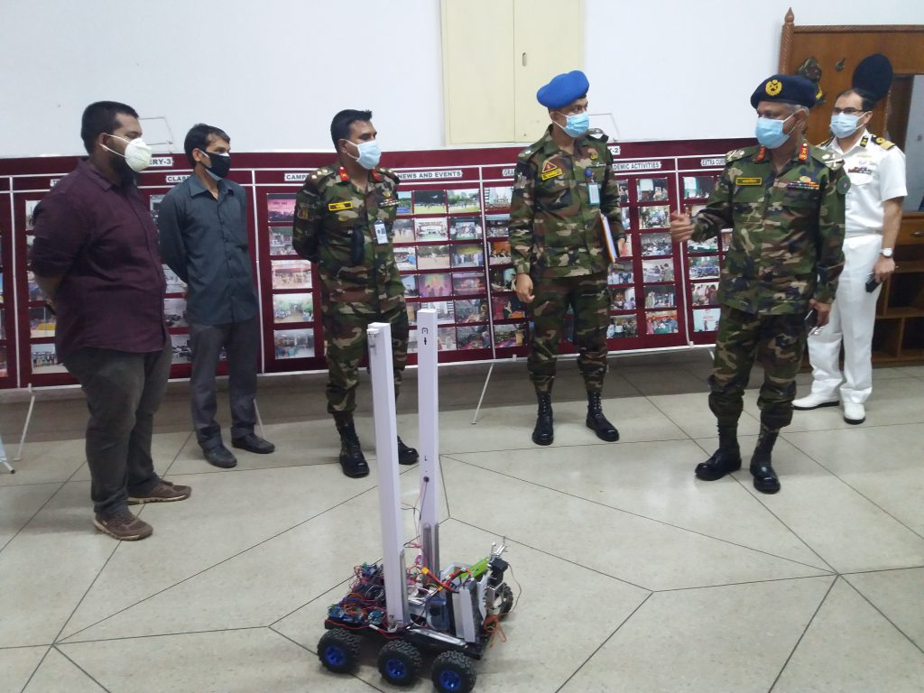 "CSE Department's students developed UVC disinfection robot- ""V-Purge"""